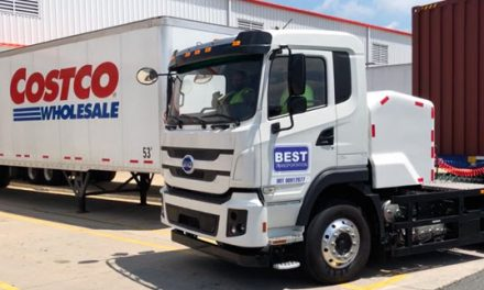 First Trucking Company Uses EV Tractor Move a Container from the Port of New York & New Jersey